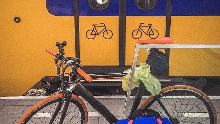 treni olanda trasporto biciclette prezzi stazione arhem paesi bassi viaggiare in bicicletta cicloturismo