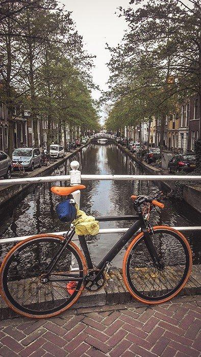 delft olanda paesi bassi canali architettura navigabile cicloturismo