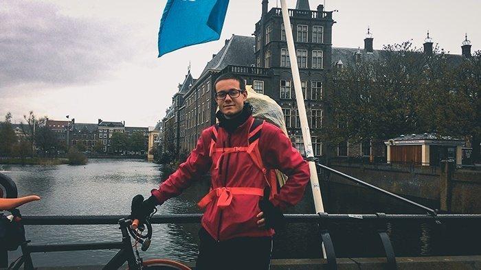 den haag l aia canali olanda paesi bassi pioggia viaggio in bici