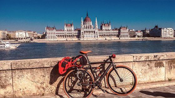 budapest parlamento ciclabile del danubio cicloturismo viaggi in bicicletta in solitaria