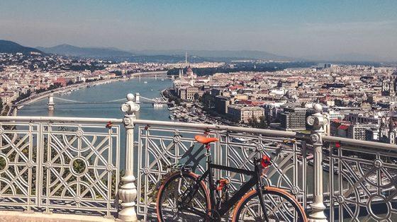 budapest citadella vista panoramica parlamento viaggiare in bicicletta cicloturismo