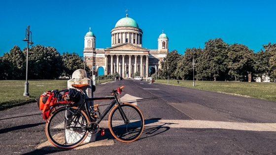 esztergom basilica viaggiare in bicicletta ciclabile del danubio ungheria solitaria