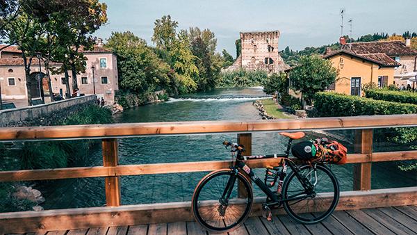 cicloturismo borghetto ciclabile del mincio lombardia viaggio in bicicletta