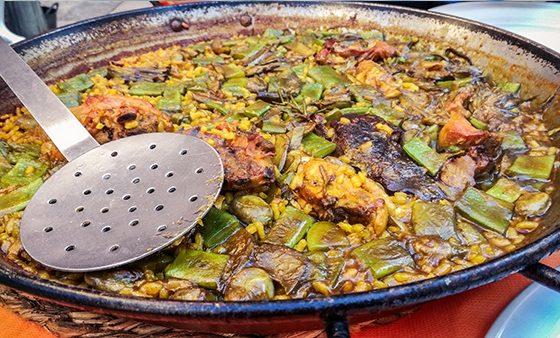 paella valenciana centro storico dove mangiare viaggiare in solitaria