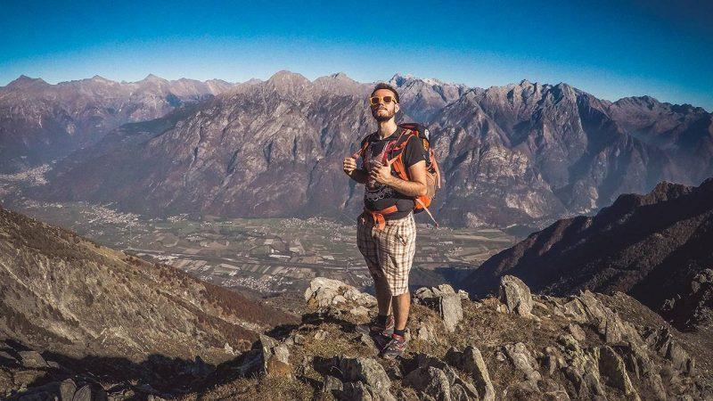 sasso canale vista panoramica val chiavenna autunno escursione in montagna panorama