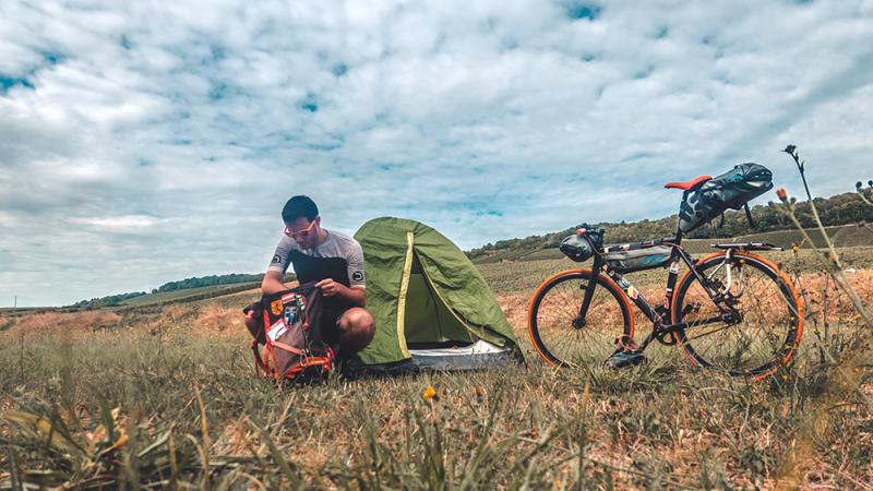 viaggi in bicicletta cicloturismo in solitaria tenda minimal organizzazione