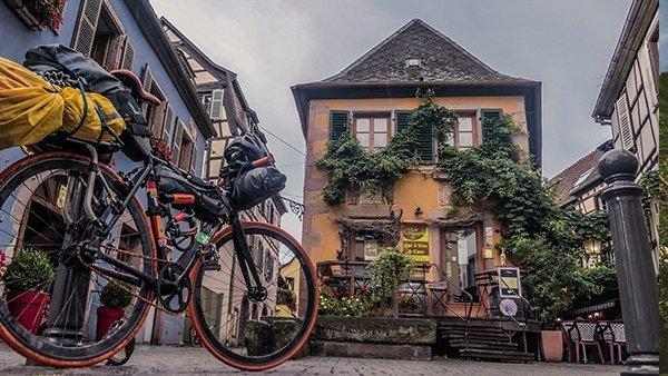 alsazia case tipiche viaggiare in solitaria bicicletta