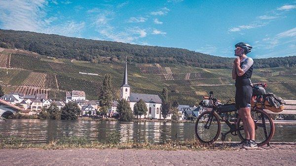 ciclabile della mosella vista vigneti vino germania bicicletta