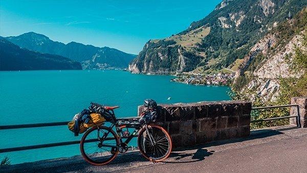 ciclabile lago quattro cantoni luerna lungolago svizzera in bicicletta pista