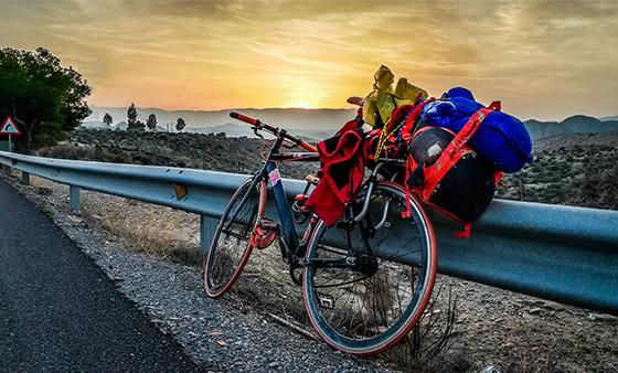 deserto di tabernas desierto viaggiare in bicicletta cicloturismo andalusia solitaria